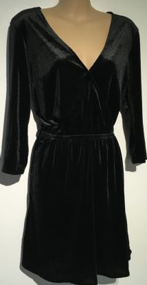 H&M  BLACK VELOUR 3/4 SLEEVED NURSING DRESS SIZE 8